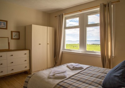 laggan-cottage-bedroom