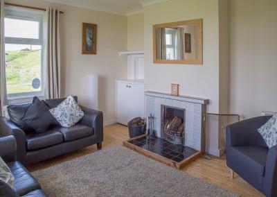 laggan-cottage-livingroom-3
